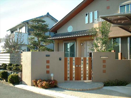 家屋と外構の調和・・・一見平凡でもお客様のセンスが注目の的に!