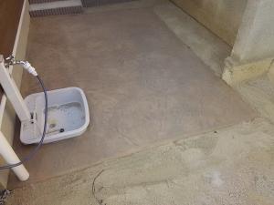 法面のあるアメリカンカントリーテイストのオープン外構靴洗い場等に使うスペース
