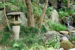 322:小滝と燈篭