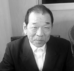 「優秀作品賞」を受賞した斎藤栄三さん。