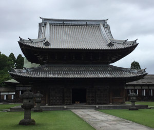 写真-05伝統木造建築に共通する大きな屋根組