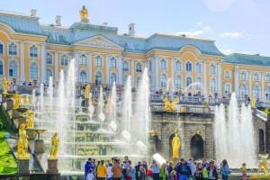 アレクサンドロフスキー宮殿と庭園